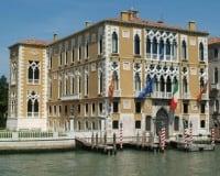 Hôtel à Venise près de l'Istituto Veneto, Palazzo Loredan, Palazzo Franchetti